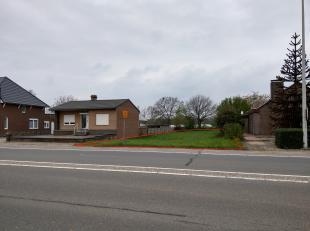 Bouwgrond HOB op grens Dilsen-Stokkem / Maasmechelen, Rijksweg, naast nummer 2, Leut sct A 153 D - groot 5a 12ca en Lanklaar sct A nr 820 D - groot 3a
