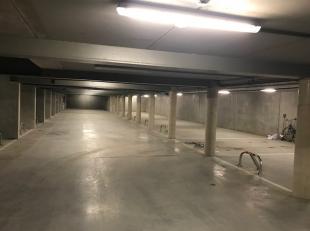 17 ondegrondse autostaanplaatsen te koop<br /> In een appartementsgebouw genaamd Residentie Papinne, gelegen Papinnestraat (zijstraat van de bevrijdin