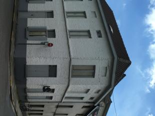 Centraal gelegen te renoveren hoekwoning<br /> Deze ruime hoekwoning is centraal gelegen nabij het centrum van Ledeberg, de invalswegen naar Gent-cent