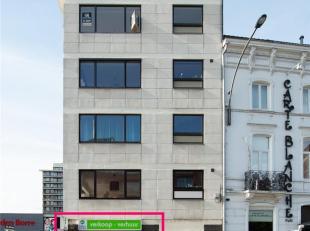 GOEDGELEGEN HANDELSPAND AAN STADSRING<br /> Dit handelspand op de gelijkvloerse verdieping maakt deel uit van een complex met 5 appartementen (5 verdi