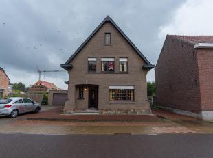 RUSTIG GELEGEN WONING<br /> Rustig gelegen woonhuis in goede staat , met aanhorigheden op met grond, gekadastreerd sectie C, nummer 240/L/2P0000, met