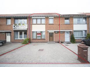 STAD HASSELT, tweede afdeling<br />  Een woonhuis op en met grond en aanhorigheden, gelegen Lod Lavkistraat nummer 28, groot één are twe