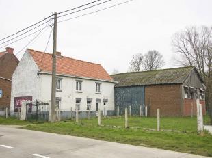 Landelijk gelegen te renoveren of te herbouwen hoevetje<br /> Deze landelijk gelegen woning met bijgebouwen (voorheen hoeve) heeft een uitermate goede