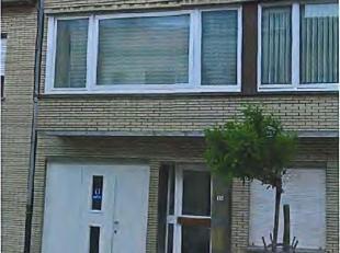 Rustig gelegen appartement op 1e verdiep.<br /> Inkom, grote living met ingerichte keukenhoek, wc, badkamer met douche en lavabo, bergruimte, 1 grote