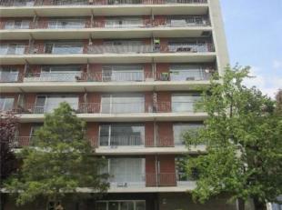 """GOED GELEGEN STUDIO<br /> Studio gelegen in de residentie """"Park Leeuwerikenveld"""", op de 8e verdieping, bestaande uit: inkomhal, living met terras en k"""