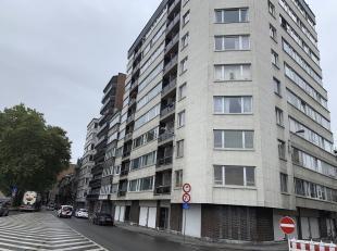 Studio, 7ème étage, Liège, Quai de la Dérivation, 48<br /> Composition : Hall dentrée, séjour (nouveau rev&e