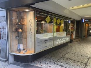 """Vitrines et locaux commerciaux<br /> Vitrines et locaux commerciaux Commercial en Vente publique, 61 Rue Pont-d'Avroy, Liège, RC 10308<br /> """"R"""