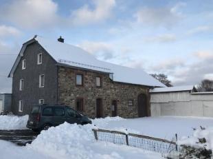 Lot 3: Une ferme avec dépendances, d'une cont. mesurée de 971 m². Rez-de-chée: hall d'entrée, cuis., sal., arr.-cuis.