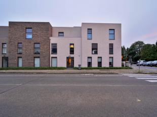 MOOI AFGEWERKT APPARTEMENT<br /> Recent, mooi afgewerkt appartement met autostaanplaats en kelderberging. 2 slaapkamers. Wg, Vg, Gvv.<br />  <br /> Be