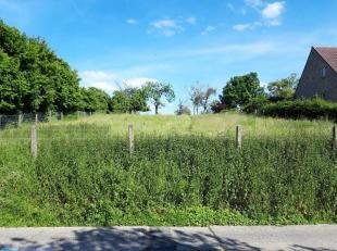 BOUWGROND<br /> Stad Nivove - 8e afd. - Pollare<br /> Residentieel gelegen bouwgrond met zicht op de Dendervallei, zeer rustig gelegen en achteraan gr