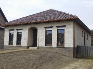 Woonhuis te Aarschot (Langdorp), Rhodestraat 36<br /> Een woonhuis met aanhorigheden, deels nog af te werken, op en met de grond, gelegen Rhodestraat