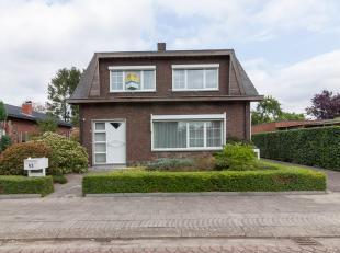 Woonhuis<br /> Goed onderhouden instapklare vrijstaande woning in rustige woonwijk vlakbij centrum, op een terrein van 591m².<br /> Indeling: GVL