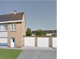 Instapklare rijwoning met 2 garages (waarvan 1 garage met automatische poort).<br /> Dichtbij winkels, AZ Sint-Jan en invalswegen Brugge.<br /> Inkomh