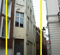 RUIM HANDELSHUIS<br /> in het hartje van Brugge<br /> Dit handelshuis ligt op enkele stappen van de Markt in Brugge en is momenteel ingericht in 3 woo