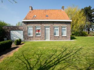 IDYLLISCHE HOEVE<br /> Prachtig gelegen hoeve met landerijen te Sint-Laureins (Waterland-Oudeman), Casteleynstraat 1 op een totale oppervlakte van 3ha