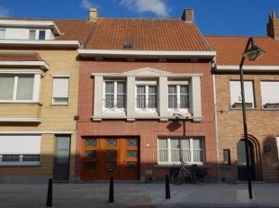 gelegen nabij het dorpcentrum van Sint-Michiels, opp. 299 m², K.I. euro 624,00 (nog klein beschrijf mogelijk tot 31 mei 2018), bouwjaar 1953, omv