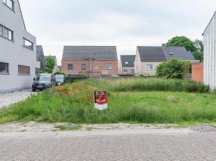 """Een gunstig gelegen bouwgrond te Oud-Turnhout. Gekend als lot 4 uit verkaveling """"Van Miert"""".<br /> Kad. sectie F nummer 53/F P0000, groot 326ca.<br />"""