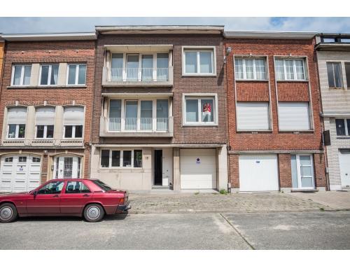 Commercieel Gebouw te koop in Wilrijk, € 225.000