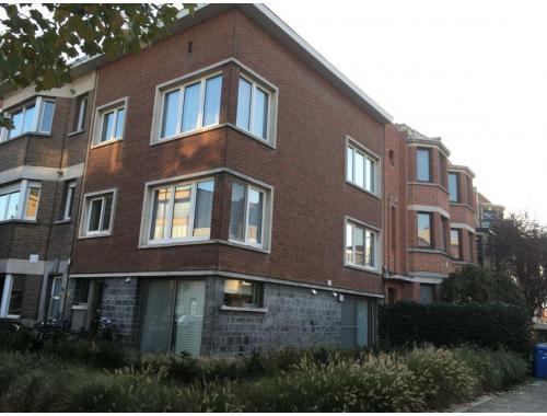 Commercieel Gebouw te koop in Berchem, € 324.000