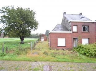 Uitzonderlijk landelijk gelegen woning<br /> Een woonhuis met grond en aanhorigheden, gek. volgens recent kad. Uittr., sie C, deel van nr(s) 916Y P000