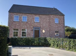 TE KOOP in Sint-Lievens-Houtem - Lindestraat 35 <br /> <br /> Mooi en landelijk gelegen lot bouwgrond voor het bouwen van een open bebouwing.<br /> <b