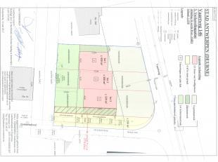 Projectgrond waarop 3 appartementsgebouwen kunnen gerealiseerd worden. 2 appartementsgebouwen met een breedte van 8,5m en een diepte van 15m en 1 appa