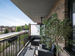 Dit recent appartement is gelegen op een gunstige locatie vlakbij Boekenberg Park, openbaar vervoer, winkels, Te Boelaer Park & Rivierenhof, schol