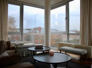 Dit ruim appartement met 3 slaapkamers ligt op de 3de verdieping van residentie Themis en heeft zo een prachtig zicht op de Leie. Het appartement van