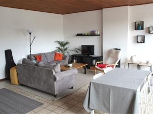 Appartement 2 chambres au 1e étage, avec garage. Idéalement situé, proche du centre de Mons. <br /> Composition : hall d'entr&eac