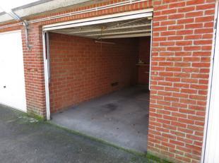 Garage gelegen in een complex tussen de Ramstraat en de Zonstraat te Lier. Thans beschikbare garages A31 - C10. Jaarlijkse huurprijs euro 1.451 volled