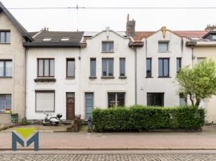 Deze ruime energiezuinige eengezinswoning is gelegen in een woonwijk met openbaar vervoer in de straat, vele scholen en nabij de Bisschoppenhoflaan. H