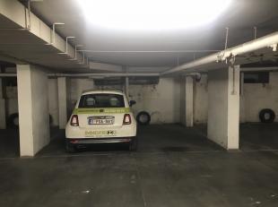 Wij bieden 4 ruime garages aan op super locatie midden in het stadscentrum aan de leien. De plaatsen worden geregistreerd op nummerplaat die kunnen wo