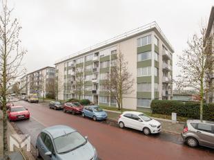 Dit appartement met een mooi uitzicht over de natuur en vlieghaven van Deurne is gelegen in een rustige buurt van Borgerhout. Bij het binnentreden van