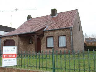 Ligging/Omgeving<br /> De woning is gelegen in de Torenstraat 70 te Lommel. Deze bevindt zich in een rustige straat en bovendien ligt het ook op 5 min