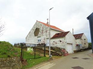 Volledig te renoveren vrijstaande woning op een grondoppervlakte van 11a 40ca, rustig gelegen te Engelmanshoven.<br /> Enkele troeven: rustige ligging