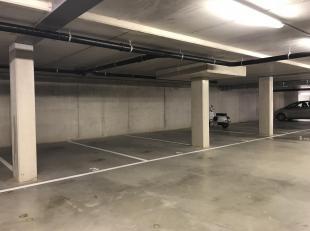 ONDERGRONDSE AUTOSTANDPLAATS IN RESIDENTIE SENTIER 106 TE MAASMECHELEN.<br /> In Residentie Sentier 106, in het centrum van Maasmechelen, beschikken w