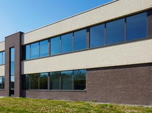 BedrijfsruimteB3 VAN 694m², gelegen in het Businesspark Ekkelgaarden te Hasselt.<br /> BEDRIJFSRUIMTE B3:<br /> De totale oppervlakte van het geb
