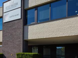 Bedrijfsruimte B4 van 652m², geleen in het Businesspark Ekkelgaarden te Hasselt.<br /> BEDRIJFSRUIMTE B4:<br /> De totale oppervlakte van het geb