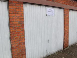 4 aparte garageboxen te huur .<br /> elk aan 85 euro/maand.