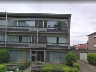 VRIJ: 01/12/2019<br /> Gerenoveerd appartement op het gelijkvloers, rustig gelegen te Ekeren.<br /> <br /> LIVING: 575 x 430 (laminaat vloeren)<br />