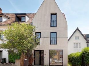 Een moderne, energiezuinige woning met veel natuurlijke lichtinval. De woning is upside down ontworpen waarbij elke verdieping een specifieke functie