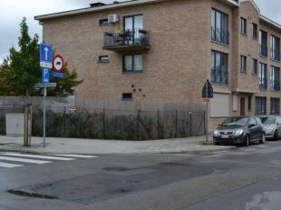 Ondergrondse parkeerplaats (voor 1 wagen) in verzorgd gebouw.<br /> Toegang via een elektrische sectionaalpoort.<br /> Zuidweg 11-13, Hoboken, ingang