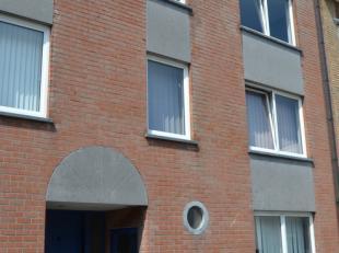 Enkel op het nummer 0477 31 99 93 te bereiken IMMOBOOST<br /> Liebaertstraat 6, WENDUINE<br /> Licht appartement op de tweede verdieping van een klein