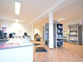 Arlon centre ville, plateau de bureau de 250 m² situé au 1er étage avec cuisine , bureaux séparés, wc indépend
