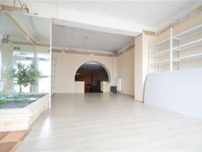 Arlon, très belle surface commerciale de 110 m² avec belle vitrine . Très bonne visibilité avec situation idéale sur
