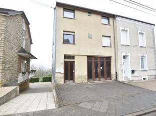 Arlon, bel appartement duplex avec garage et jardin composé comme suit: hall d'entrée, wc séparé, salle de bains, 2 chambr