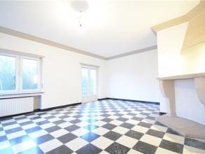 Arlon, bel appartement entièrement rénové au 1er étage d'une petite résidence de 3 unités bien entretenue co