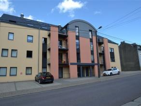 A louer , très bel appartement de 110 m² composé comme suit: hall d'entrée, vaste séjour, cuisine entièrement