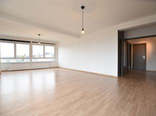 Au coeur du centre ville, Double V Immobilière vous propose un superbe appartement de 109m²  composé comme suit: hall d'entr&eacute