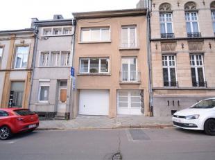 Double V Immobilière vous propose en location à deux pas de la gare  un studio composé d'une pièce séjour, coin cui